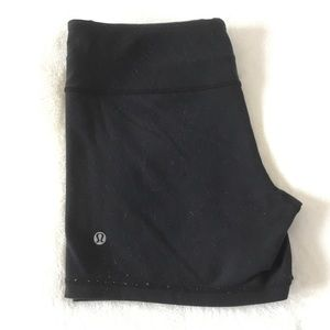 Lululemon luon reversible yoga shorts